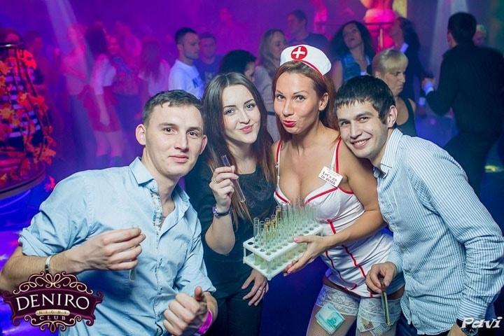 в клубе девушки пьяные фото